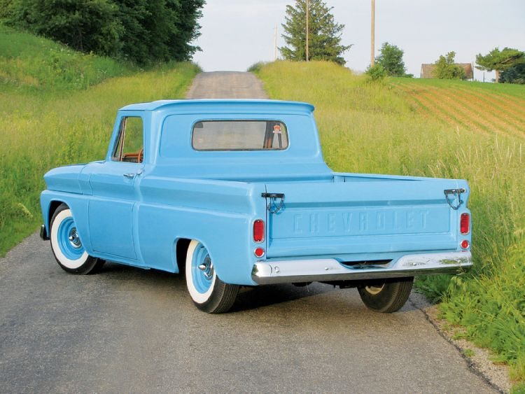 0912clt_02_z+1966_chevy_c10_pickup_truck+classic_rear_bumper